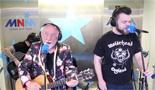Filmpje: Bakske Vol Met Stroo (Live)