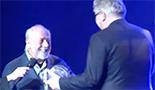 Filmpje: Prins Laurent Reikt Trofee Uit (De Eregalerij)